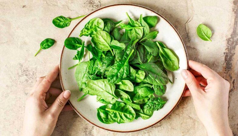 De-ce-este-recomandat-sa-includem-spanacul-in-dieta